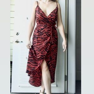 NWT ASOS Wrap Dress in Tiger Print Size 4